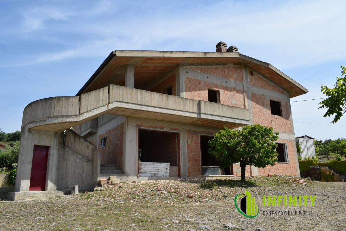 Appartamento vendita MATERA (MT) - 7 LOCALI - 350 MQ